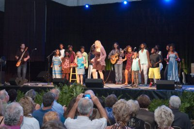 Elise Testone sings with students from Teach My People